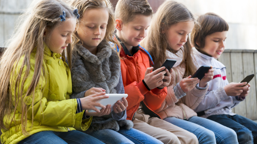 3 Disturbing Screen Time Statistics Parents Should Know About